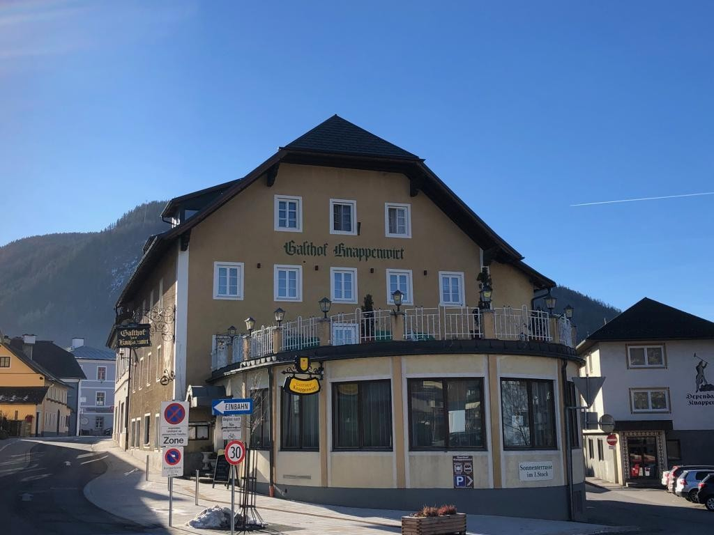 Eight bedroom hotel, bar and restaurant for sale near Obertauern