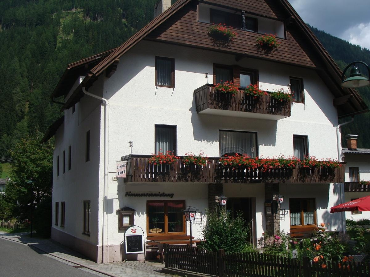 Family Hotel and Apartments in Mallnitz