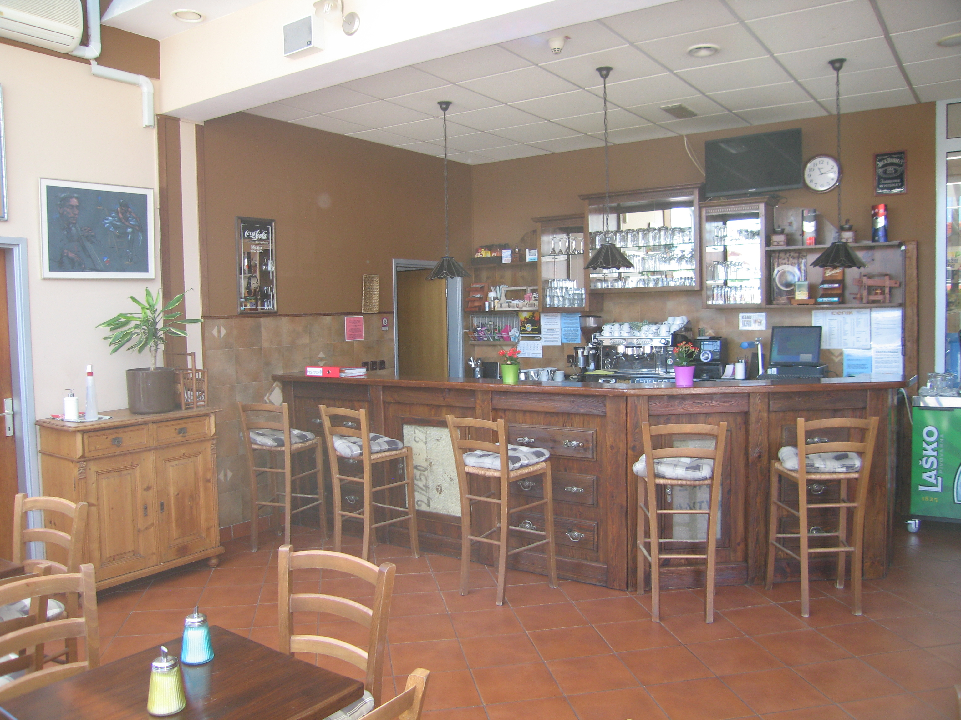 Coffee shop for sale in Ljutomer town